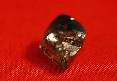 全球唯一對外開放鑽石坑門票僅300元!曾挖到40克拉巨鑽