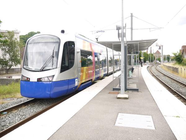 基隆輕軌tram-train示意圖、簡易路線圖。(圖/鐵工局提供)