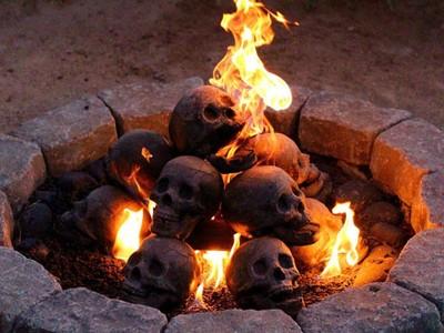 中二爆棚「寫實人骨」木柴,就用罪人的靈魂烈焰來烤肉吧!