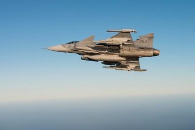 F-35太貴!美媒推薦瑞典獅鷲戰機