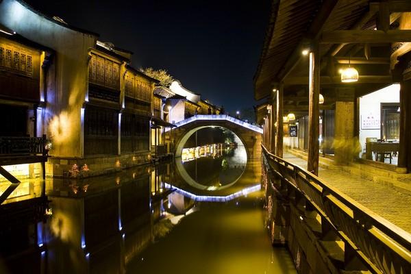 詩畫江南這樣玩~古今美景在西湖,五星枕水遊烏鎮。(圖/杭州旅遊委員會、七逗旅遊網提供)