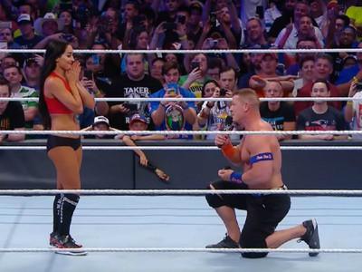 江西男求婚了!擂臺上為摔角女友戴鑽戒,緊張到胸肌亂抖