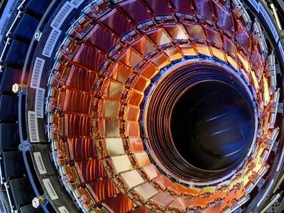 「最恐怖的五種死法」 物理學家告訴你:把頭伸進粒子加速器..