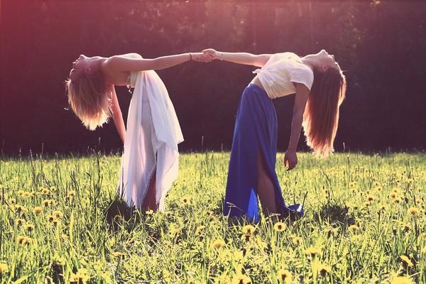 友情,朋友,友誼,親密。(圖/取自librestock網站)
