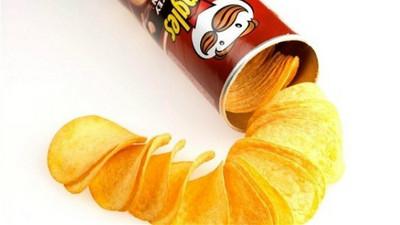 「品客洋芋片」凹凸兩面一樣鹹?達人傳授正統吃法