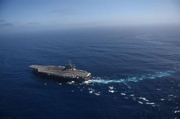 美軍航空母艦「尼米茲號(USS Nimitz)」。(圖/翻攝自USS Nimitz (CVN 68)粉絲專頁)