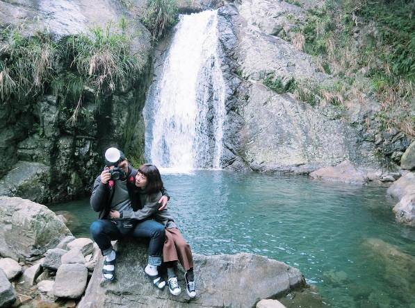 傳說愛情可修成正果秘境!「猴洞坑瀑布」俯瞰蘭陽美景