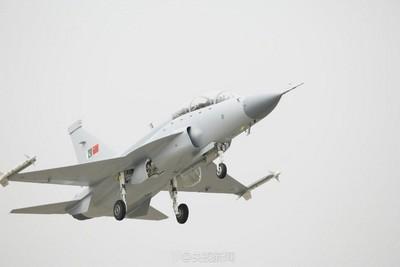 緬甸空軍首次公開展示梟龍戰鬥機