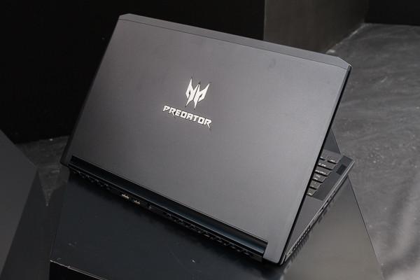 宏碁Predator電競新品動手玩。(圖/記者莊友直攝)