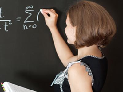為什麼學生崇拜又愛慕補習班老師?「這3點」讓他無可取代