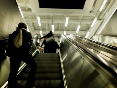 【心測】手扶梯迎面而來的是誰?窺測女孩們的性成熟度