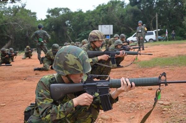 國軍T65K2步槍。(圖/翻攝自國防部發言人臉書)