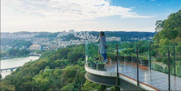 101高山頂景觀餐廳(圖/網友han822提供,請勿隨意翻拍,以免侵權。)