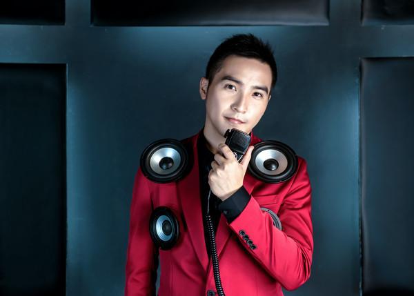 ▲谷阿莫發行新單曲。(圖/WebTVAsia、上行娛樂提供)