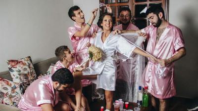 新娘讀理工交不到姊妹淘,結婚時只好抓男閨密來當「丫鬟」…