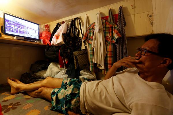 香港有超過20萬市民蝸居在「劏房」中,等待著政府發放公共住房。(圖/CFP)