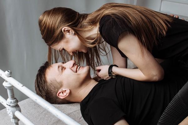 聊是非用圖,男女,情侶,兩性,愛情,相處。(翻攝自PEXELS網站)