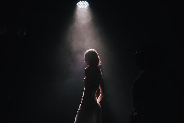 女孩,性,黑暗,兩性(圖/翻攝自StockSnap)