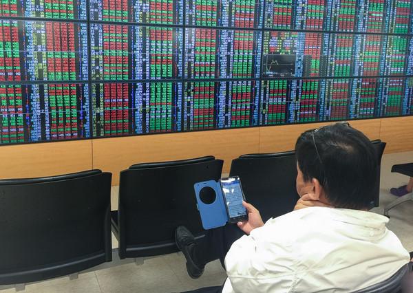 證券,股市,交易大廳(圖/記者張一中攝)