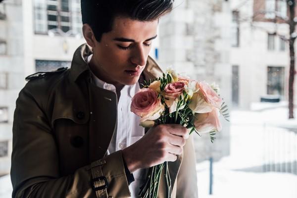 聊是非用圖,男女,兩性,約會,內向,花。(翻攝自Pixabay網站)
