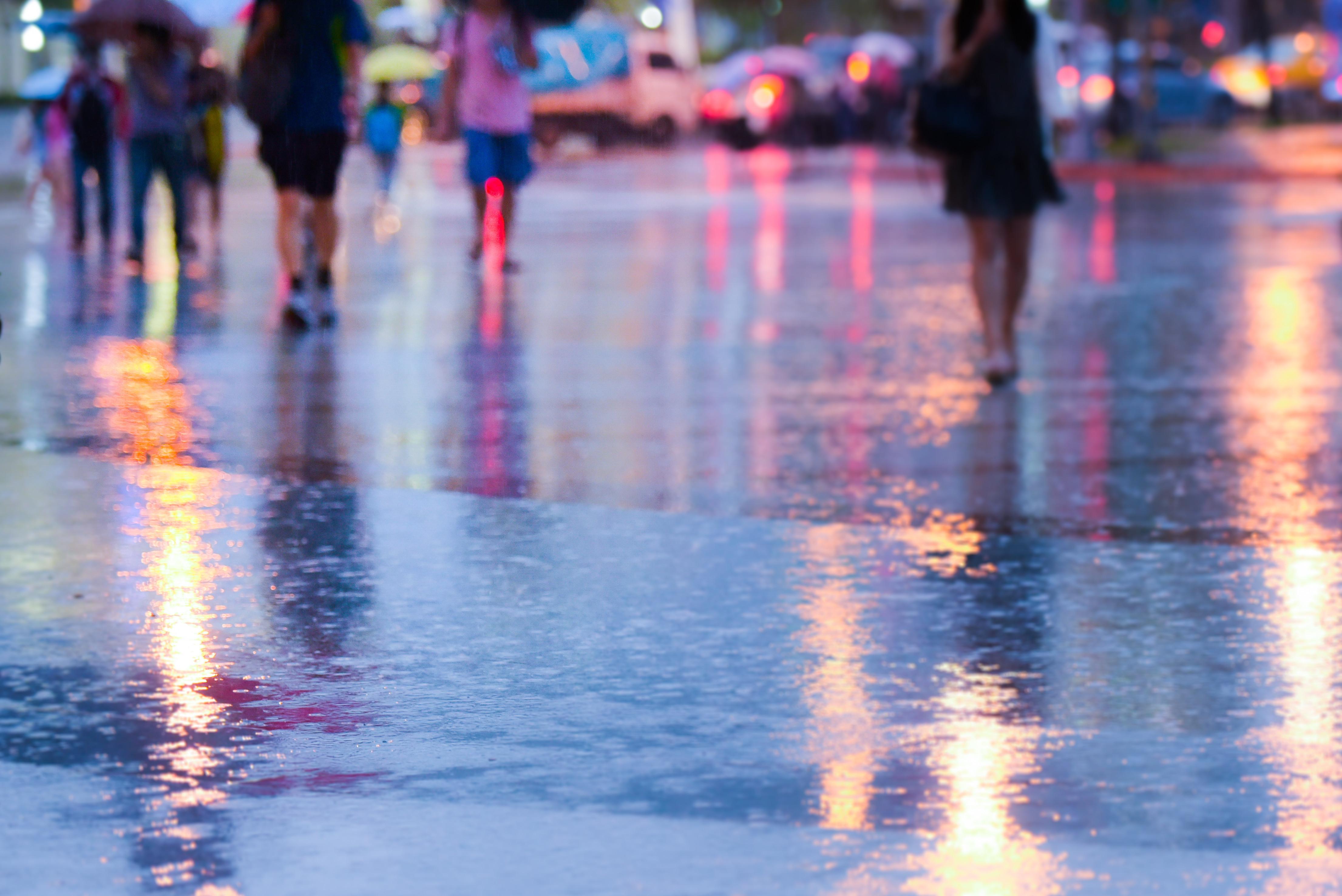 下雨天,雨天,行人(圖/記者張一中攝)