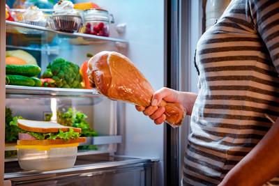食物中毒多吃到「這4種細菌」 專家教冰箱保存法防入侵