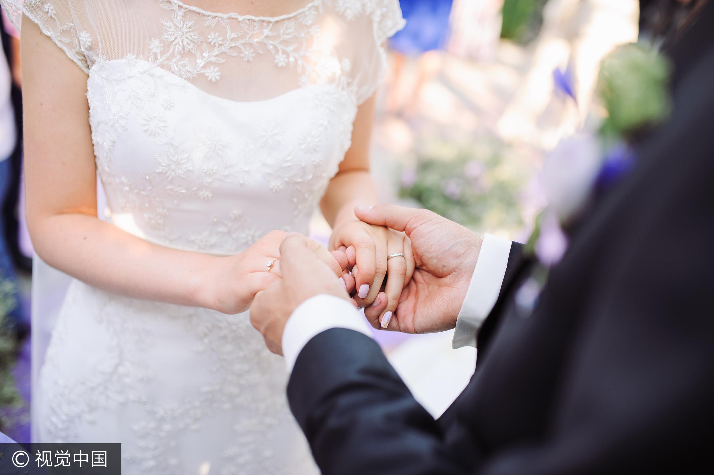 初戀男友「我可娶一個不用聘金的老婆」 她心碎分手:很失望!