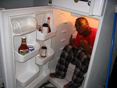 熱爆!那如果我躲進冰箱..從內側會被卡住打不開嗎?