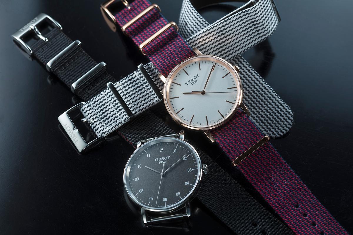 TISSOT今年最新的T-Classic系列,裝配的NATO錶帶內裡還用了絨布材質,佩帶上更為舒適。定價NT$6,200~7,600。