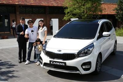 KIA表示,這次Carens全車系提供了跨越豪華級距的多項主被動安全配備。