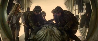 《神鬼傳奇》的布景大大小小竟高達50座之多,劇組並特別打造了一具136公斤的石棺。