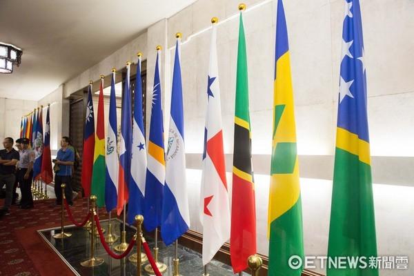 ▲▼巴拿馬斷交,外交部巴拿馬國旗。(圖/記者季相儒攝)