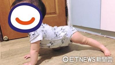 寶寶「鞍馬動作」爬地板 爸爸超驚:下一秒要迴旋啦
