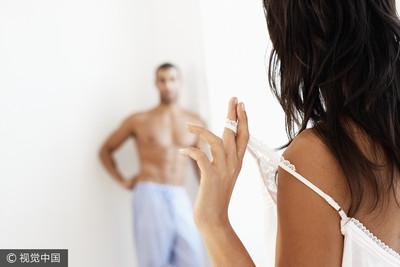 熟女控男友一夜硬上4次 後改口:忘記吃藥