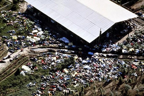 真實版「生人活祭」!假烏托邦被揭露,900教徒一夜集體自殺(圖/YOUTUBE、網絡)