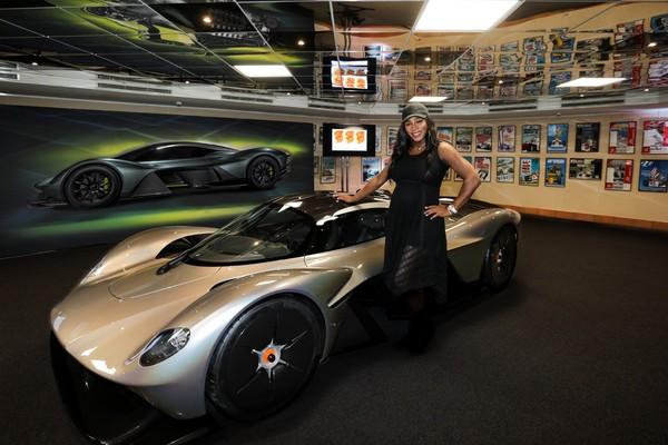 網球天后小威廉斯站台 阿斯頓馬丁上億超跑Valkyrie實車亮相(圖/翻攝自Aston Martin)