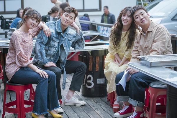 金智媛(左起)、朴敘俊、宋昰昀、安宰弘,在《三流之路》中有著令人羨慕的友情與愛情。