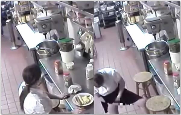 ▲餐廳女員工染指熱狗。(圖/翻攝自臉書)