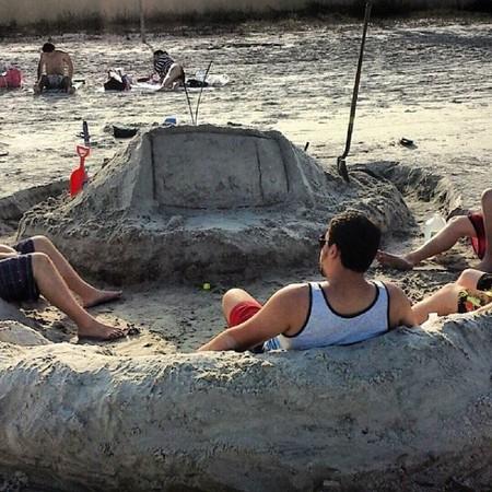 暑假的幻想與現實(圖/翻攝自theBerry)
