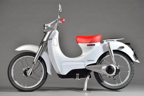 ▲60歲「小狼」電動化?日本郵差準備換新車囉!。(圖/翻攝自HONDA)