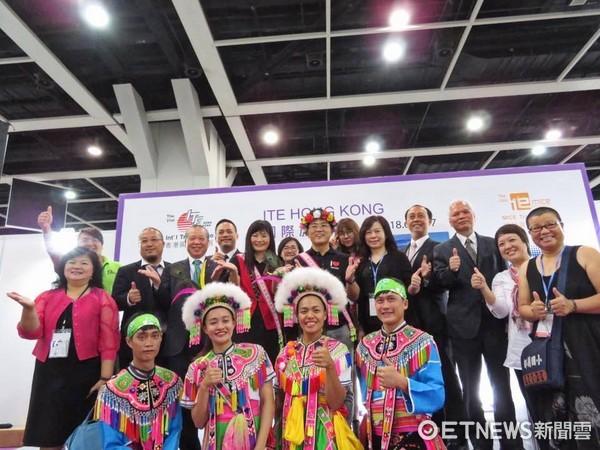 台東縣長黃健庭帶領縣府團隊,參加香港國際旅遊展。(圖/台東縣政府提供)