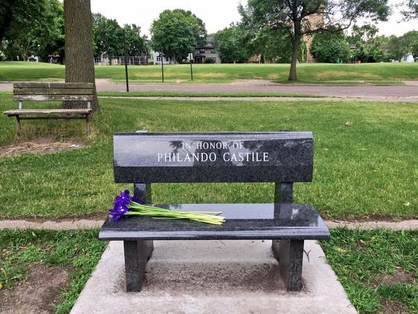 ▲▼射殺非裔美國人Philando Castile的警察被判無罪,民眾抗議。(圖/翻攝自推特)