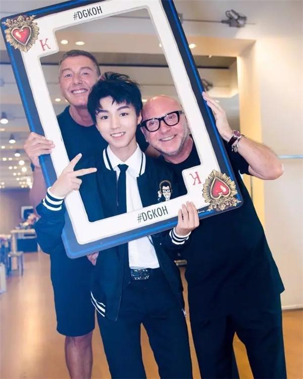 ▲米蘭男裝周--王俊凱為DOLCE&GABBANA走秀。(圖/ 翻攝鳳凰時尚)