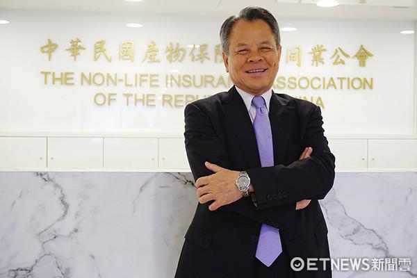 產險公會理事長、富邦產險董事長陳燦煌。(圖/記者官仲凱攝)