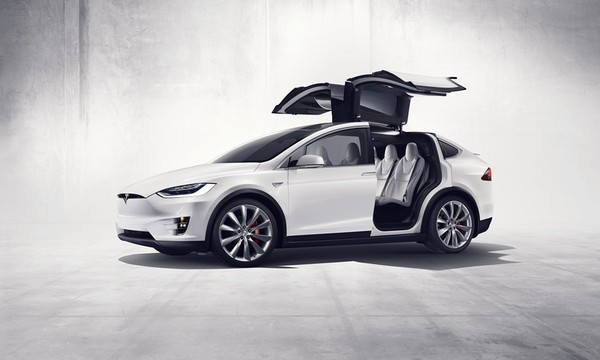酸民酸翻了還是賣!特斯拉在台舉辦Model X交車儀式(圖/翻攝自Tesla)