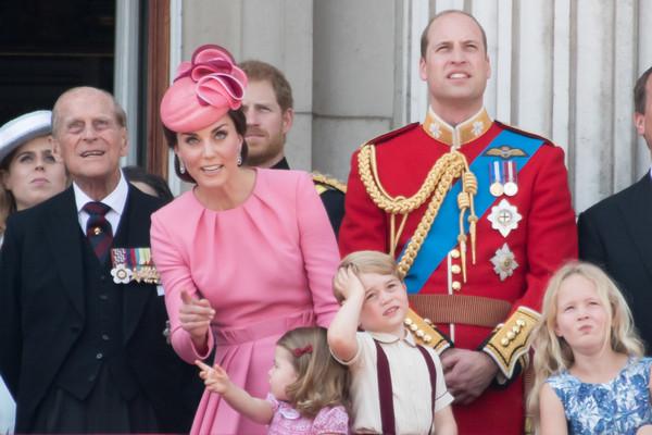 ▲女王91歲生日 凱特穿Alexander McQueen(圖/達志影像)