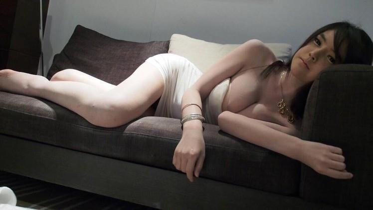 泰國「抖奶怪妹」夜店勾人,但網友看了卻不敢撿…(圖/翻攝自網路)