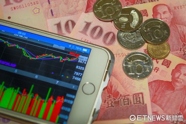 鈔票,100元,投資,小資(圖/記者張一中攝)