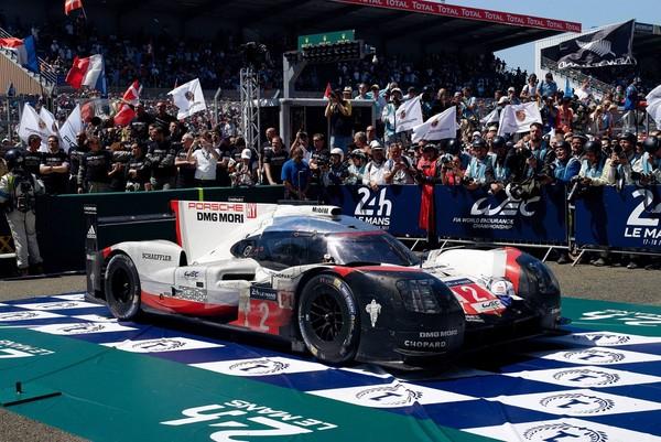 ▲保時捷3連霸!利曼24小時賽車 「成龍」車隊奪分組冠軍。(圖/翻攝自Porsche)