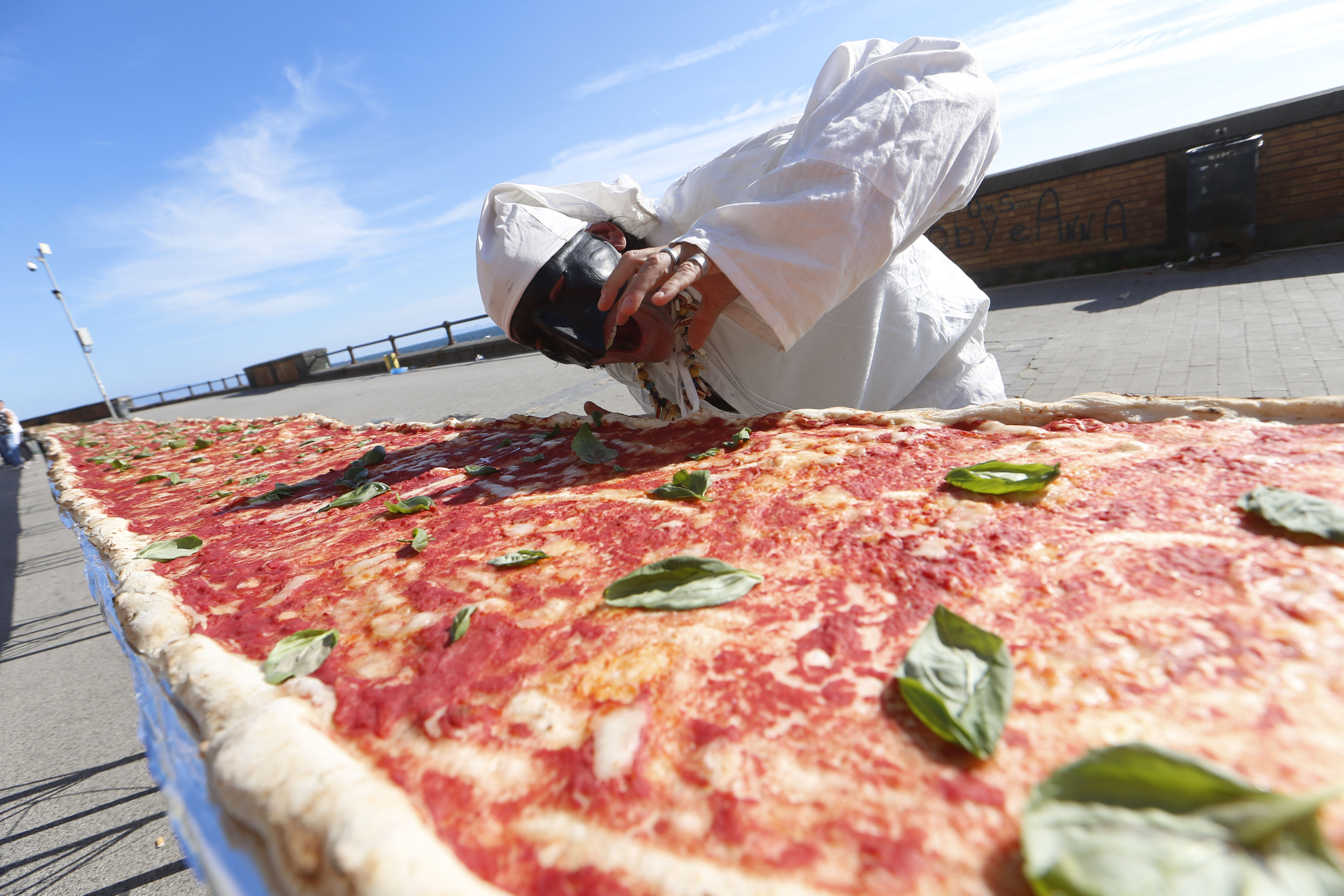 ▲▼拿波里長披薩。(圖/達志影像/美聯社)